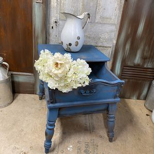 Country Style Distressed Farmhouse Accent Table for Sale in Ellinwood, KS