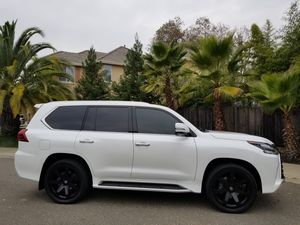 2017 LEXUS LX570 16K ML 3RD ROW SEATS 4WD ENTERTAINMENT PACKAGE FULLY LOADED for Sale in Roseville, CA