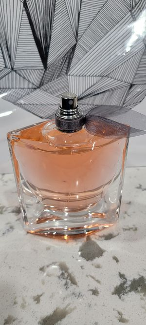 Lancome La vie est belle 3.4 oz perfume for Sale in DEVORE HGHTS, CA