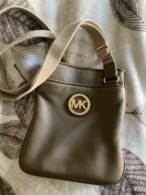 Tan MK messengers bag for Sale in Clovis, CA