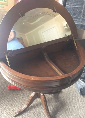 Antique claw foot table for Sale in Canal Winchester, OH