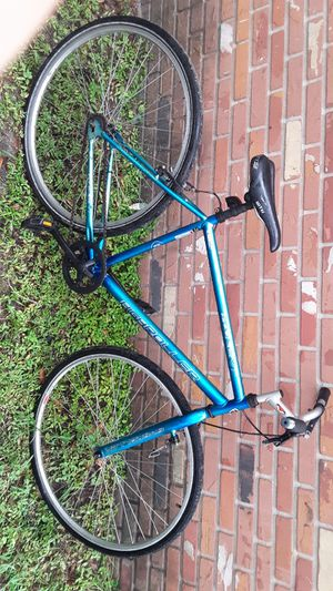 High Roller 700kent Skinny Tire for Sale in Tampa, FL