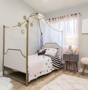 Twin/ Full size Bed for Sale in Beverly Hills, CA