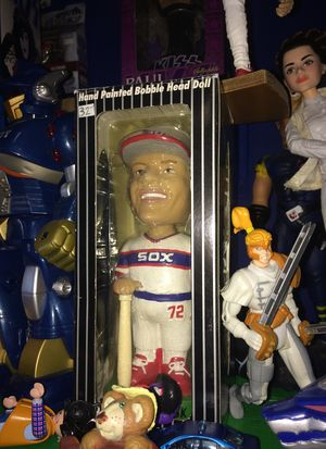 Chicago White Sox Carlton Fisk hand painted Bobble head figure new in package $25 for Sale in Bartlett, IL
