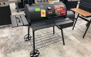 Chargriller 🔥Grill 🔥 3018 G FZX for Sale in Covina, CA