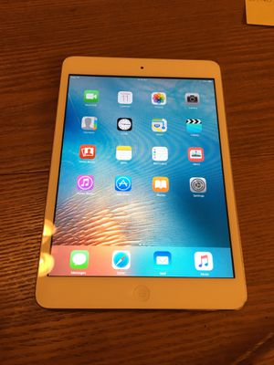 iPad mini. White. 32 GB. for Sale in Glendale, CA