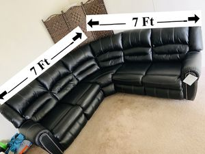 Black Leather couch for Sale in Las Vegas, NV