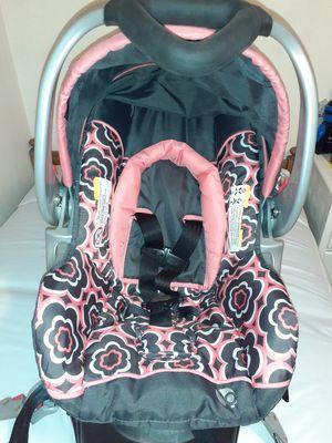 Girls infant car seat for Sale in Goshen, OH