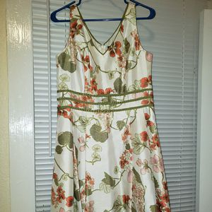 Green and white dress for Sale in Greenville, SC