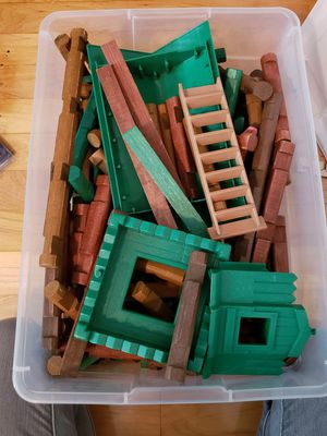 Lincoln logs for Sale in Revere, MA