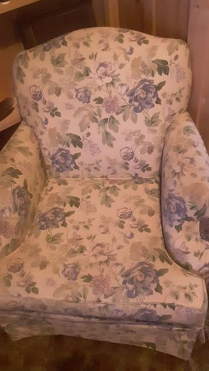 A pair of b r o w h i l l furniture chairs matching set for Sale in Baxter, MN