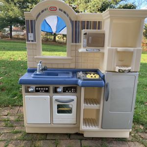 Little Tikes Kitchen Set for Sale in Lancaster, PA