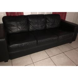 Black Couch great conditions NEED GONE ASAP for Sale in Miami,  FL