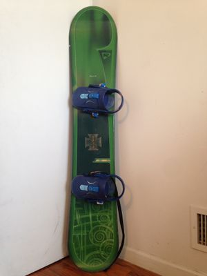 Rossignol rooster 2 152cm snowboard with burton bindings and burton bag for Sale in Brooklyn, NY