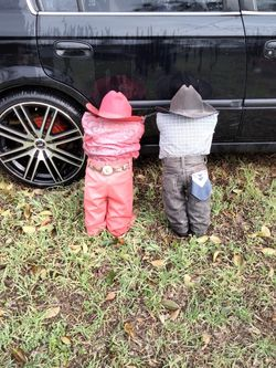 2 Cry Cowboys Doll's for Sale in Killeen,  TX