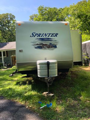 2008 Keystone Sprinter 31ft. Camper/Trailer for Sale in Huntingtown, MD