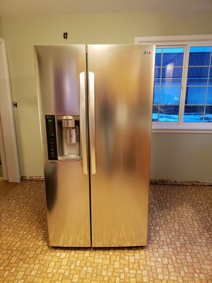 Lg stainless refrigerator for Sale in Yakima, WA