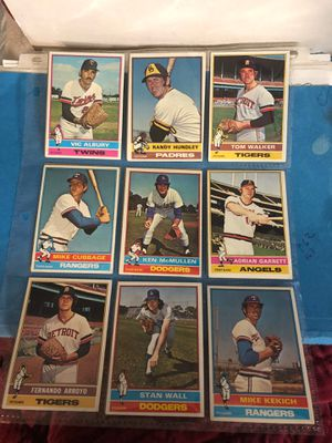 Bueatiful 1976 topps baseball card lot #1 18 cards for Sale in Calverton, MD