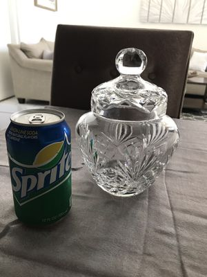 Vintage led crystal heavy apothecary biscuit jar for Sale in Chula Vista, CA