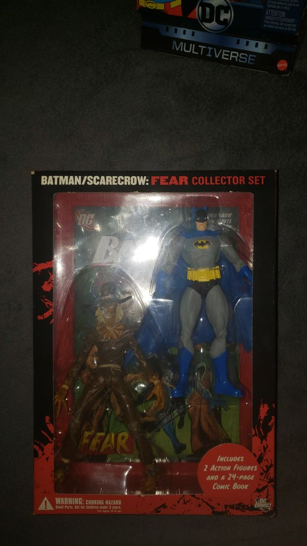 Batman and scarecrow figure set