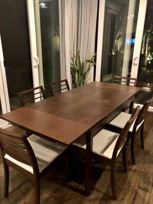 """Calligaris (modern Italian brand) dining table and 6 chairs (extendable to 24 """") for Sale in Irvine, CA"""