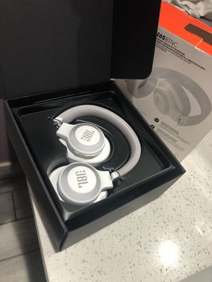 jbl wireless headphones for Sale in Long Beach, CA