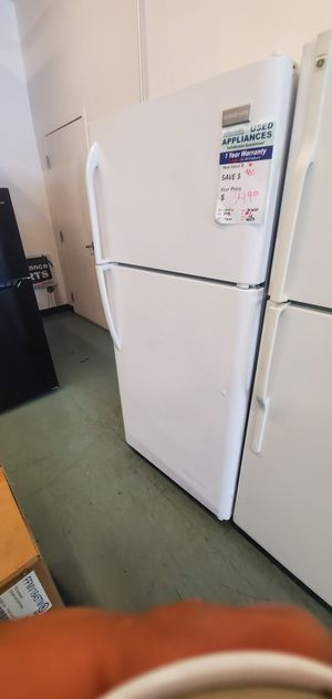 White Frigidaire Refrigerator for Sale in Meadows, CO