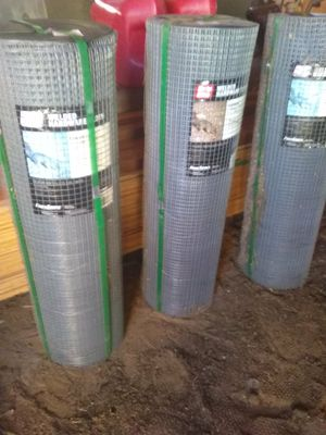 3 Ft Wire Mesh 100 ft long for Sale in Phelan, CA