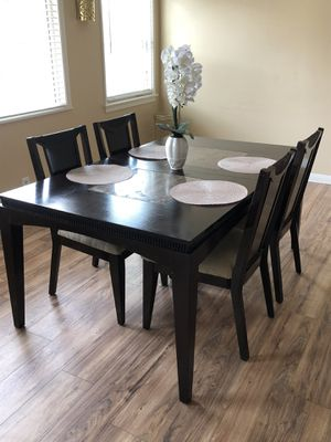 Dining table for Sale in Ontario, CA