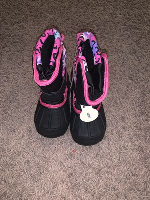 Size 6 Kids Snow boots Brand New w tags for Sale in Rialto, CA