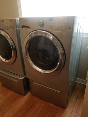 Frigidaire front load washer and dryer for Sale in Abilene, TX