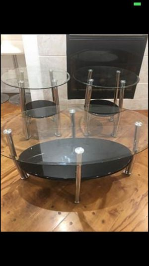 LIKE NEW COFFEE TABLE WITH SIDE TABLES for Sale in Grand Prairie, TX
