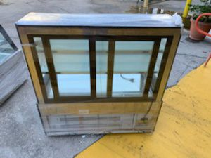 Display case for Sale in Hollywood, FL