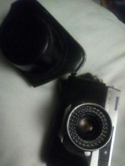 PETRI 45mm DSLR Vintage Camera for Sale in Denver,  CO