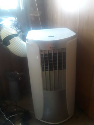 All black brand new AC it is 4 and 1 fan AC dehumidifier and Heat paid 500 for Sale in Camp Hill, PA