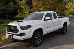 2017 Toyota Tacoma TRD SPORT 6ft Bed V6 4WD Honda Chevrolet gmc Ford 2018 2019 2016 2015 for Sale in Burien, WA