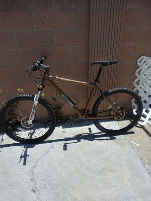 Iron Horse warrior mountain bike size 19.5 for Sale in Santa Ana, CA
