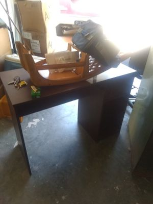 Computer desk for Sale in Columbia, MO
