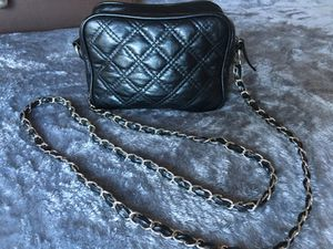 Black leather-like purse w/ long chain & leather detail strap for Sale in San Diego, CA