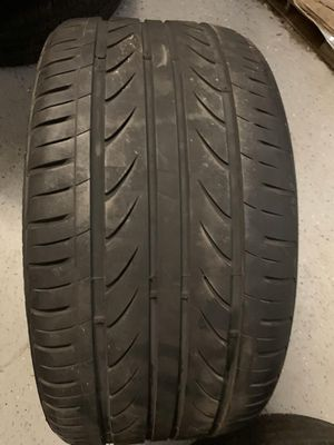 Single tire Delinte thunder V7 size 275/30/20 with around 35% tread left on it selling tire only no installation for Sale in Corona, CA