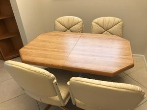 Kitchen Table for Sale in Boynton Beach, FL
