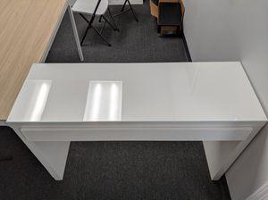 Vanity White Table for Sale in La Mirada, CA