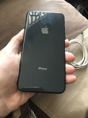 Apple iPhone 8 Plus Space Grey 64gb Carrier Unlocked for Sale in Kent, WA