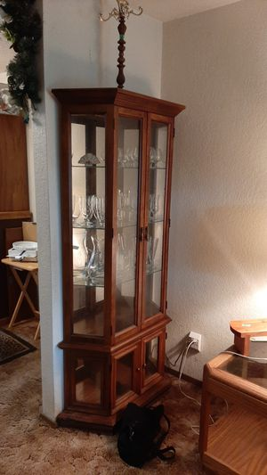 Curio cabinet hutch. Lights up. for Sale in Lacey, WA