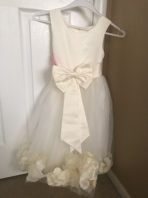 Ivory flower girl dress for Sale in Lakewood, CO