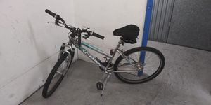"""Schwinn 24"""" mountain bike for Sale in Orange, CA"""