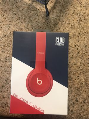 Beats Solo 3 wireless by Dr. Dre for Sale in Fowler, CA