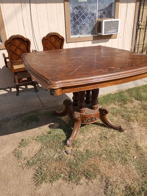 Oak kitchen table with pub style chairs for Sale in Bakersfield, CA