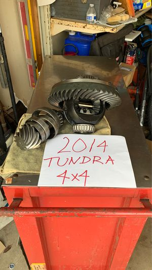 Ring and pinion, and carrier, 2014 Tundra 4x4,50,000 miles for Sale in San Diego, CA