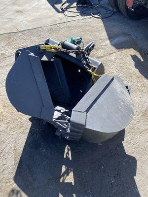 Mini excavator bucket attachments for Sale in Los Angeles, CA